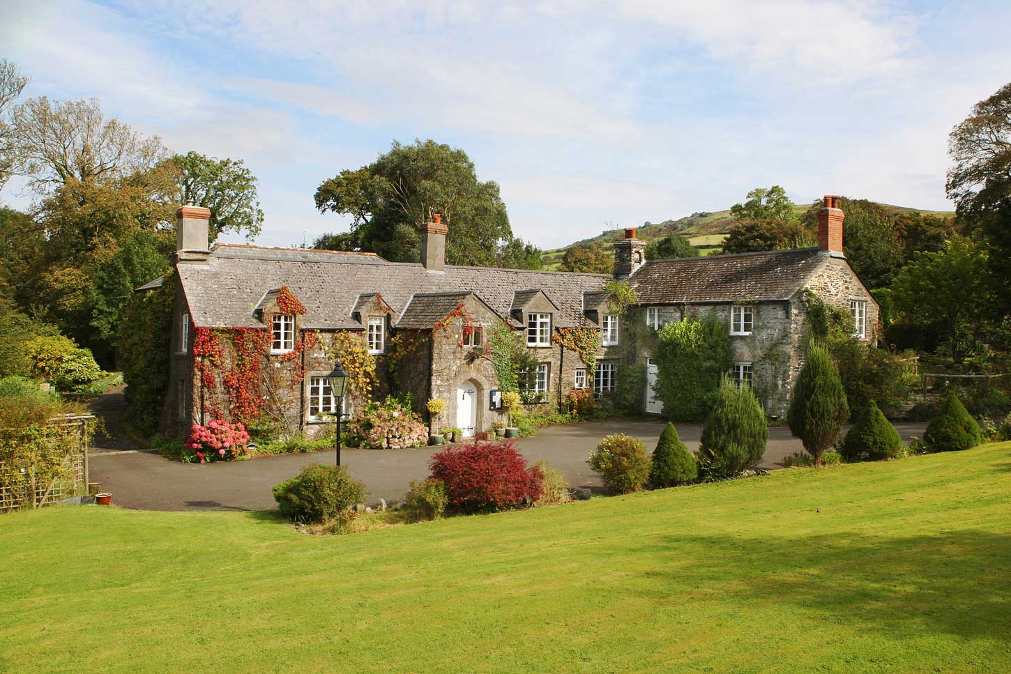 Luxury short breaks luxury hotels devon country house for Small country hotels